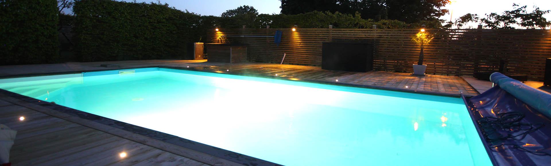 Njut av din pool dygnet runt - hela sommaren